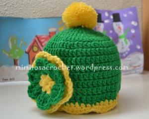 Gorro Pom-Pom y flor verde-amarillo II