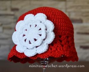 Gorro Zoe rojo flor blanca 004