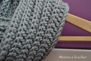 Cuello gris punto elástico VIII