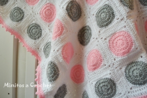 Manta Granny Circular Rosa-Gris 005